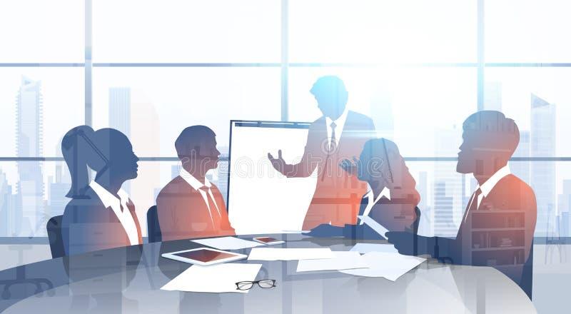 Schattenbild-Geschäftsleute Team With Flip Chart Seminar-Trainings-Konferenz-Brainstorming-Darstellungs-im modernen Büro lizenzfreie abbildung