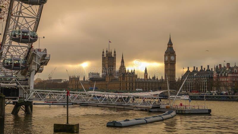 Schattenbild geschossen von London-Skylinen lizenzfreie stockfotografie