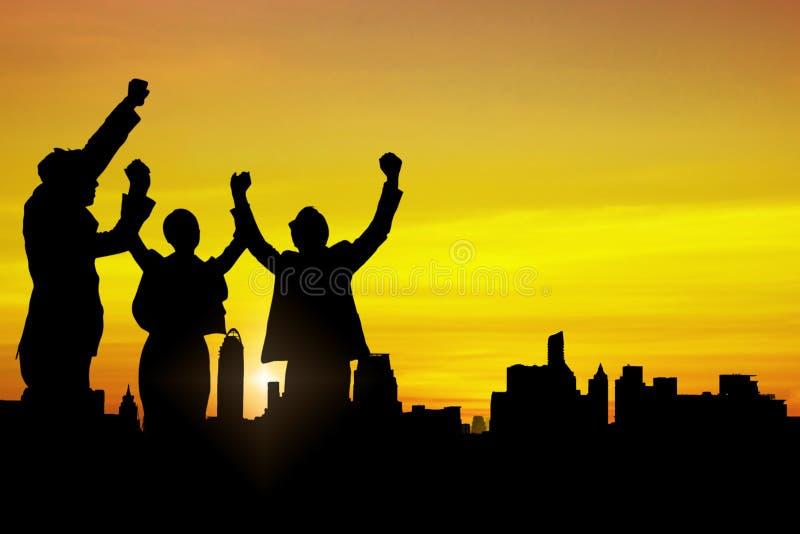 Schattenbild von Geschäftsleuten team und erfolgreiche Teamwork-Berühmtheit stockfotografie