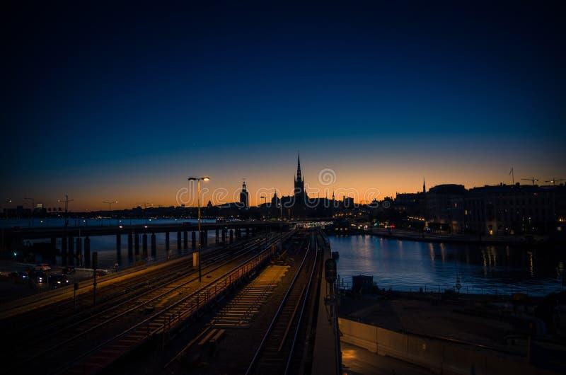 Schattenbild von Stockholm-Stadtbildskylinen bei Sonnenuntergang, Dämmerung, Schwede stockbild