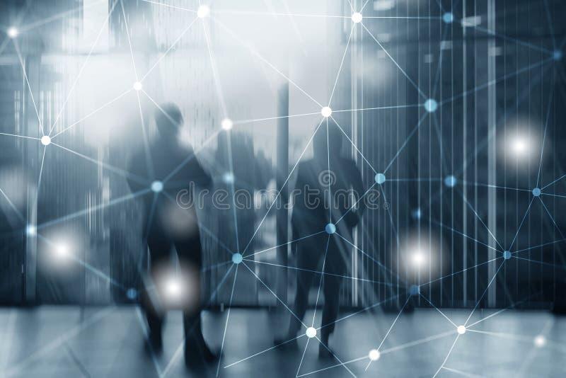 Schattenbilder von Gesch?ftsleuten ?ber Stadtbild-Hintergrund Unternehmenslebensstil Universaltapeten-Konzept lizenzfreie stockfotos