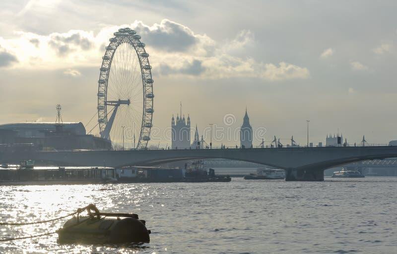 Schattenbildskyline der London-Marksteine stockbilder