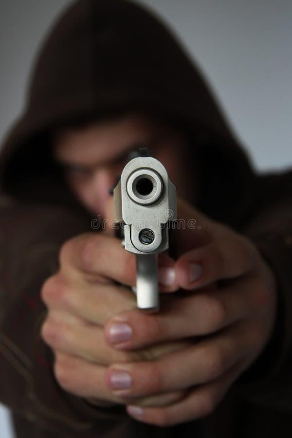 Schauen hinunter das Fass eines Gewehrs stockbilder