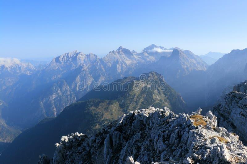 Schauen Sie von der Spitze des Berges Spicje lizenzfreie stockfotos