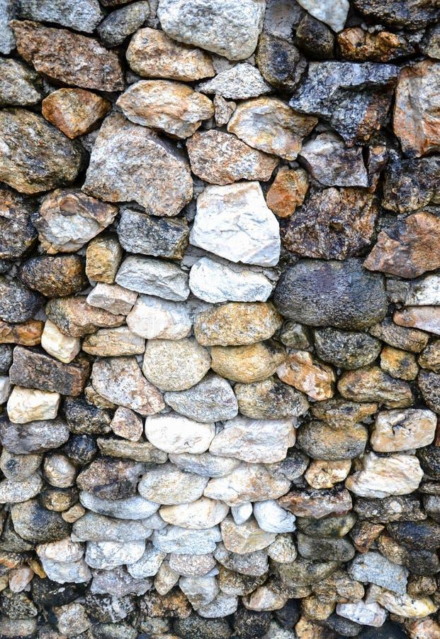 Schaukeln Sie die selektive Fokussierung des Steinbeschaffenheitshintergrundes am mittleren (niedrige Schärfentiefe) stockfotos