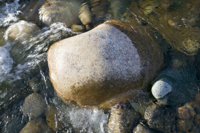 Schaukeln Sie in Herbststrom bei Crawford Notch State Park in den weißen Bergen von New Hampshire, Neu-England stockfoto