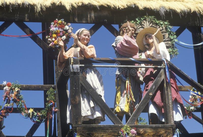 Schauspieler im Kostüm an der Renaissance Faire, Agoura, Kalifornien stockbild