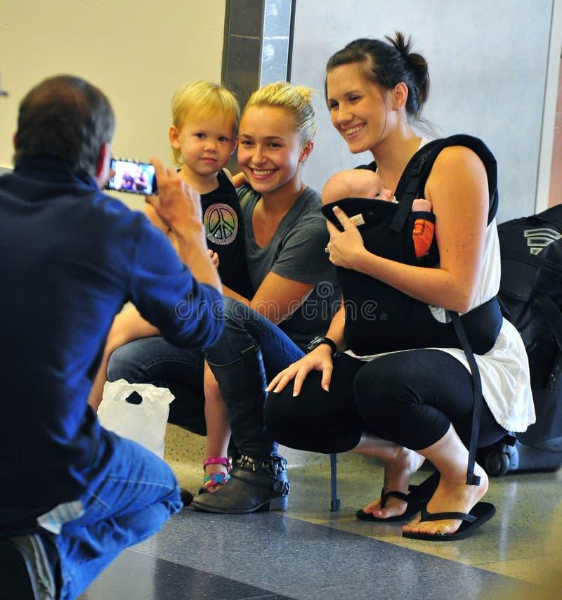 Schauspielerin Hayden Panettiere am LOCKEREN Flughafen lizenzfreie stockfotografie