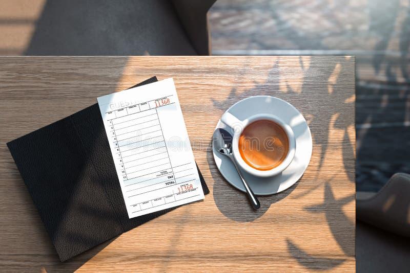 Scheck und Kaffeetasse auf Holztisch im modernen hellen Café Wiedergabe 3d lizenzfreie abbildung