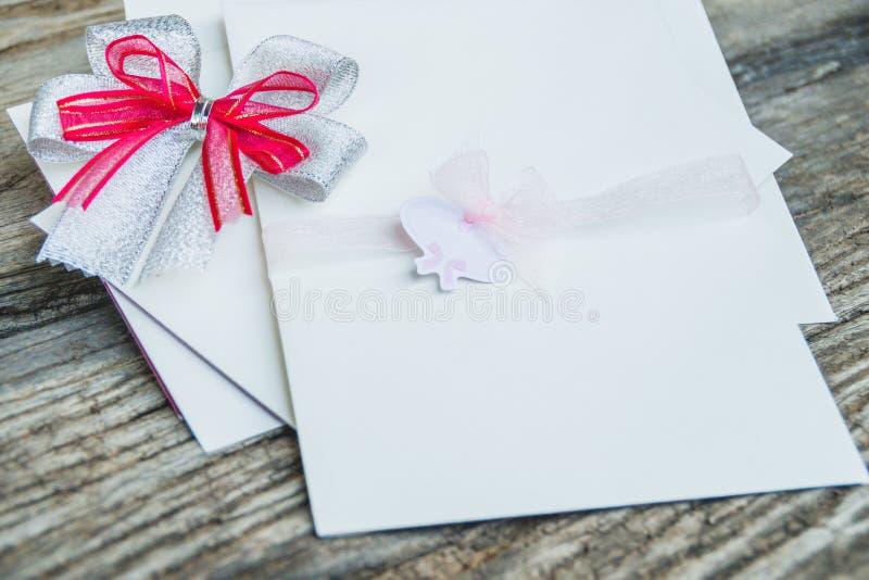 Scheda dell'invito di cerimonia nuziale fotografia stock libera da diritti