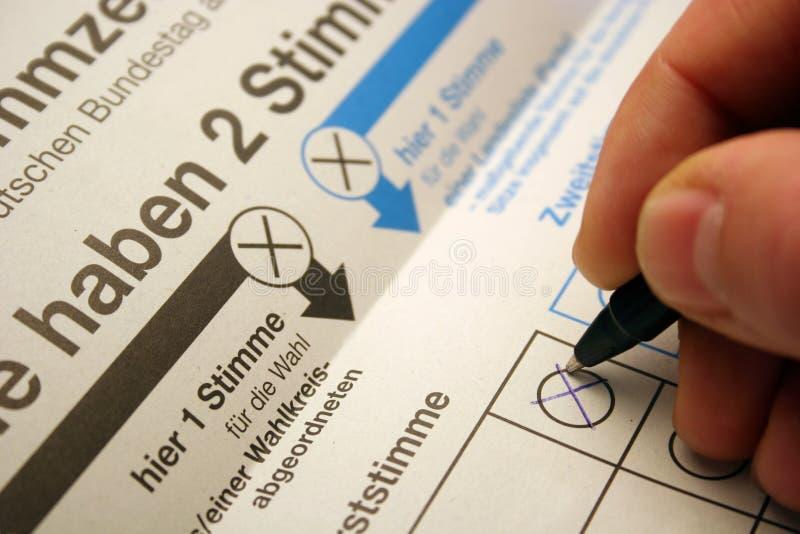 Scheda elettorale delle elezioni tedesche del Bundestag fotografie stock libere da diritti