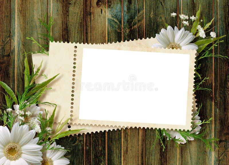 Scheda per la festa con i fiori fotografia stock libera da diritti