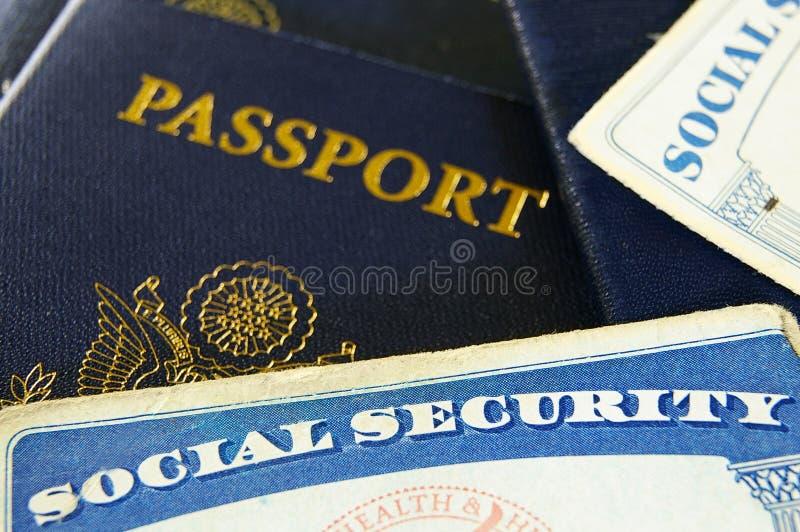 Schede e passaporti di previdenza sociale fotografia stock
