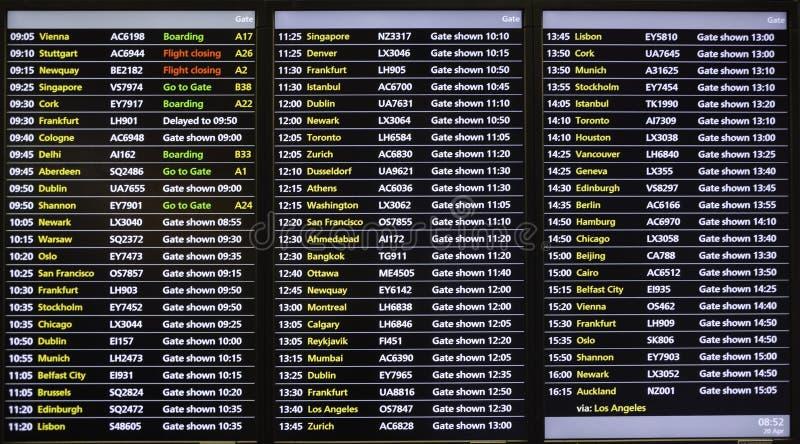 Scheduld del vuelo/tablero digital de la información de las horas de salida fotos de archivo libres de regalías