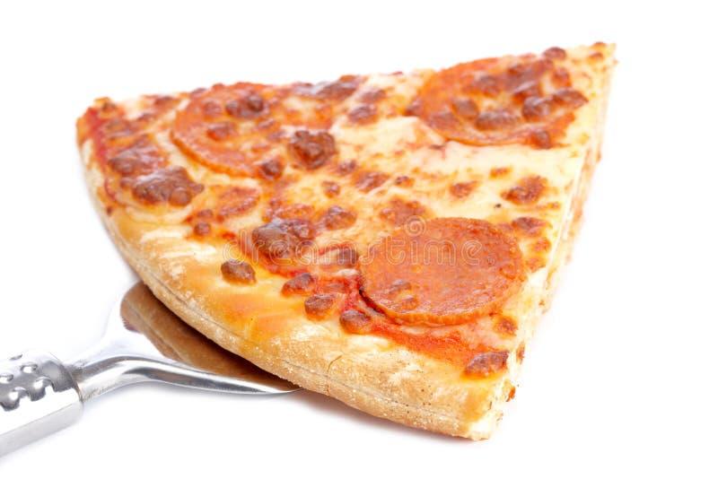 Scheibe der geschmackvollen italienischen Pizza stockfoto