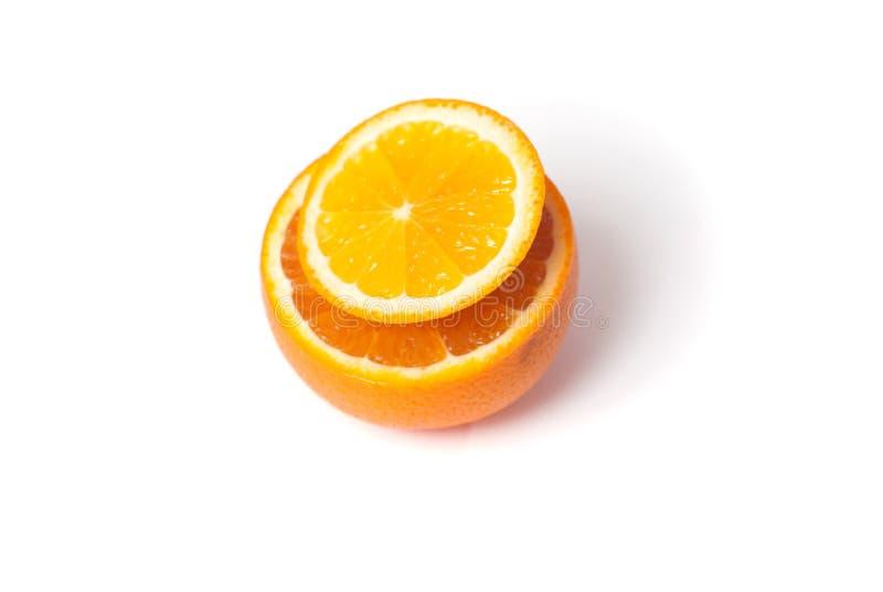 Scheibe der Orange lokalisiert auf weißem Hintergrund, stockbild