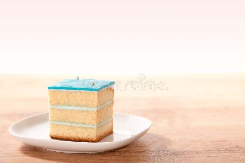 Scheibe des Kuchens stockfotos