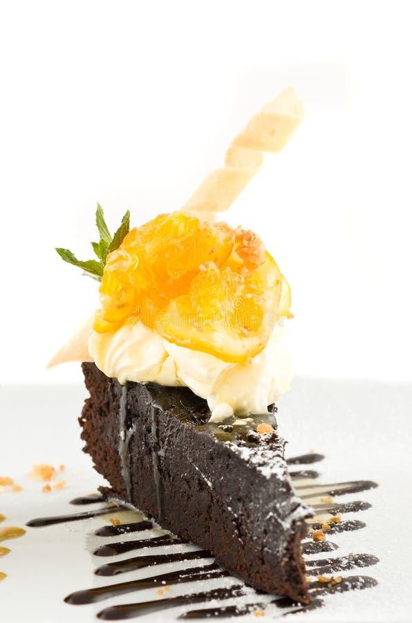 Scheibe des Schokoladenkuchens. stockbilder