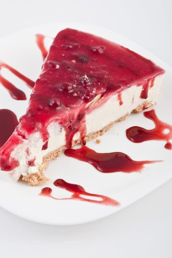 Scheibe des trawberry Käsekuchens stockbilder