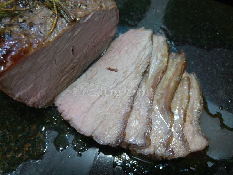 Scheiben des gekochten Rindfleischfleisches lizenzfreie stockbilder