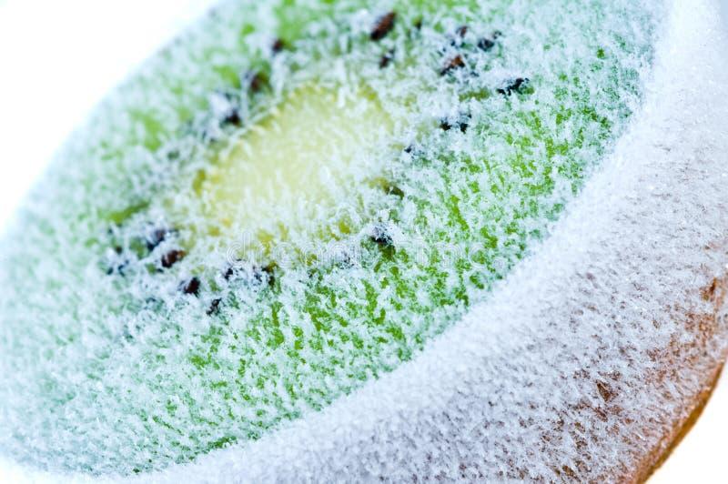 Scheiben gefrorene Kiwi stockfoto