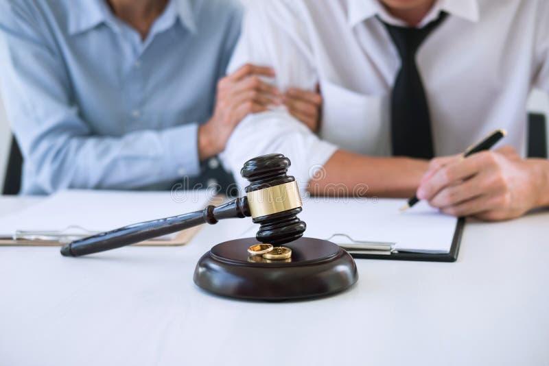 Scheidungsurteilauflösung oder Annullierung der Heirat, hus lizenzfreie stockfotografie