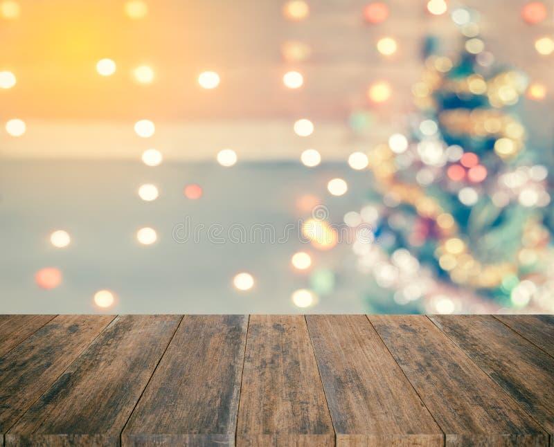 Schein bokeh des Weihnachtsbaums, Schablonenspott oben für Anzeige von stockbilder