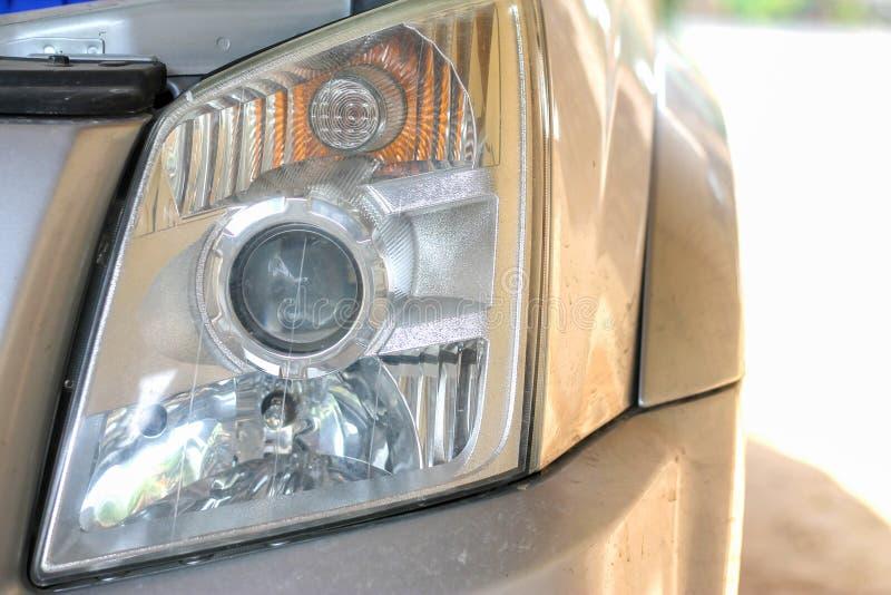 Scheinwerfer des Kleinlastwagens, Bildnahaufnahmeteil des Automobils stockfotografie