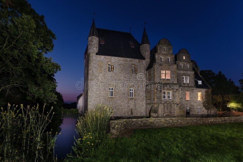 Schelenburg przy nocą Bissendorf Osnabrueck Niemcy zdjęcia royalty free