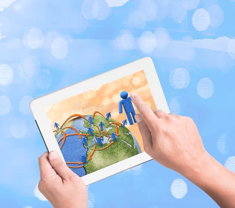 Schema di rete sociale sul pc del touchpad immagini stock