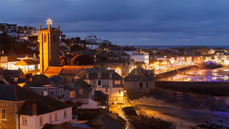 Schemer die St Ives Cornwall overzien royalty-vrije stock fotografie
