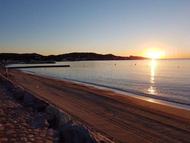 Schemer op de Baai van St Tropez en Sainte Maxime Sunset royalty-vrije stock afbeeldingen
