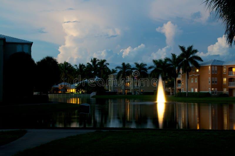 Schemer over gebouwen in Napels Florida royalty-vrije stock afbeelding