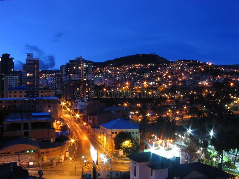 Schemering in de stad van La Paz royalty-vrije stock foto