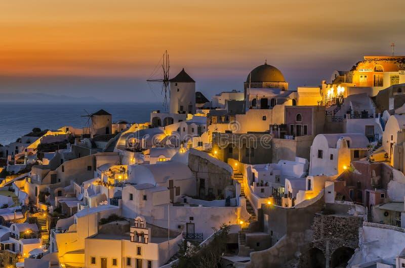 Schemering in Oia Santorini royalty-vrije stock afbeelding