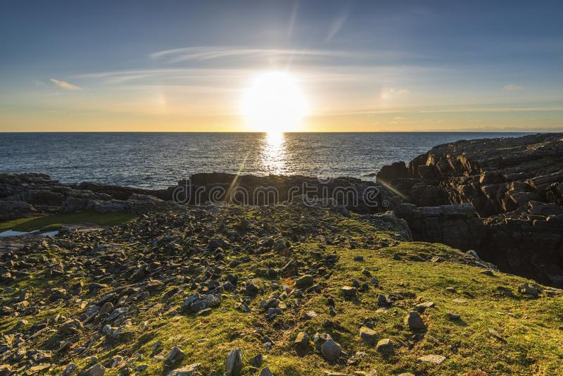 Schemeringlandschappen over het Eiland van Lewis-kusten, Schotland royalty-vrije stock afbeelding