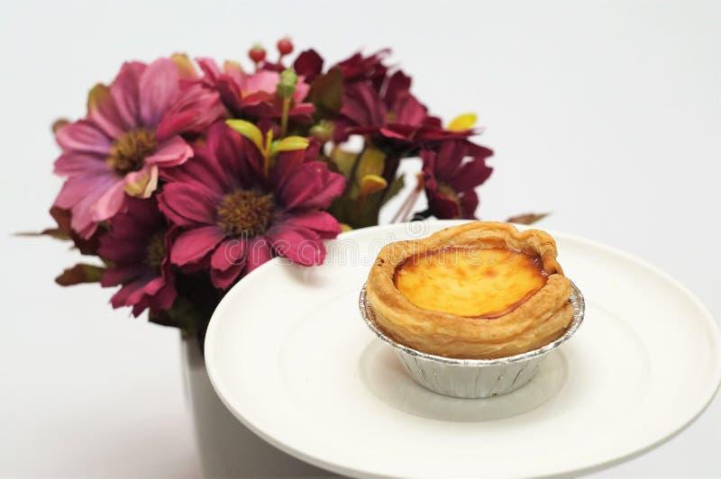 Scherp & Pastei, Eigengemaakte Gebakken, Verse Maaltijd, scherp of zuur in smaak een gebakken schotel van fruit, of vlees en groe stock afbeelding