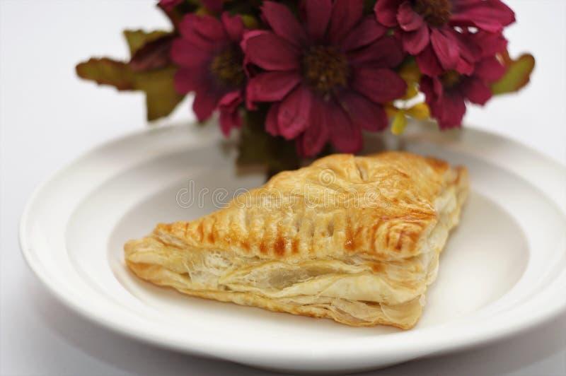 Scherp & Pastei, Eigengemaakte Gebakken, Verse Maaltijd, scherp of zuur in smaak een gebakken schotel van fruit, of vlees en groe royalty-vrije stock foto's