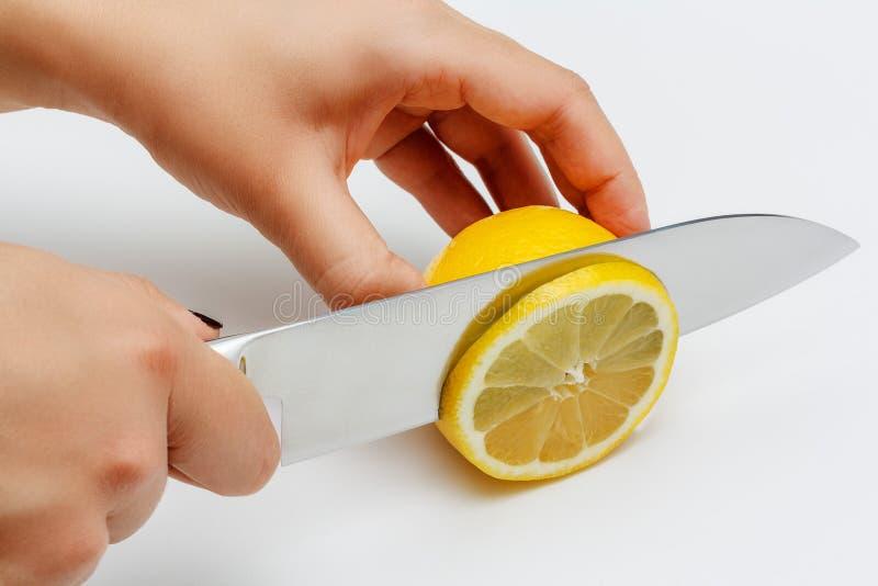 Scherpe citroen royalty-vrije stock afbeeldingen