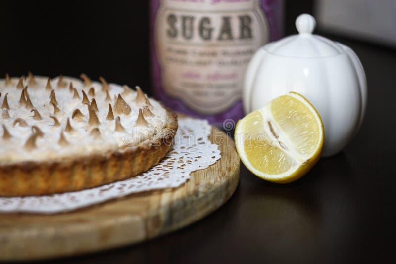 Scherpe citroenpastei stock fotografie