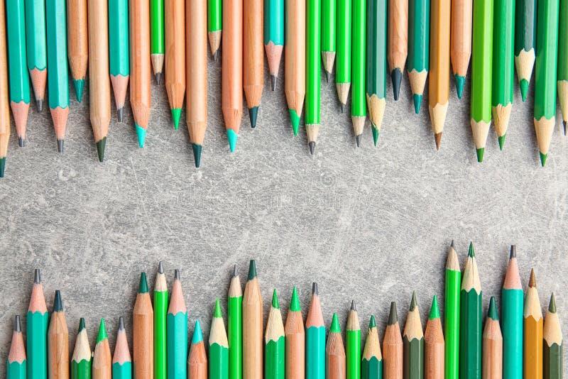 Download Scherpe groene potloden stock foto. Afbeelding bestaande uit trek - 107702584