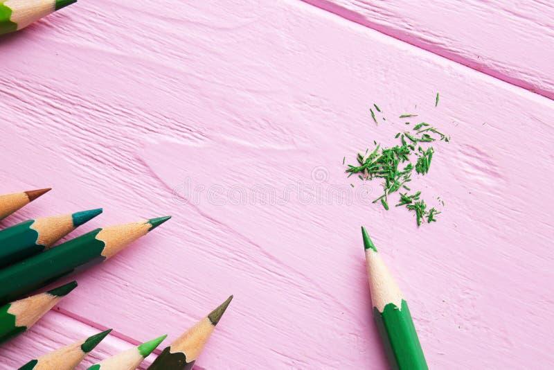 Download Scherpe groene potloden stock foto. Afbeelding bestaande uit ontwerp - 107702826