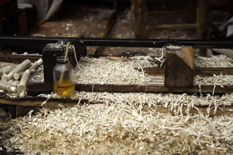 Scherpe houten spaanders stock foto's