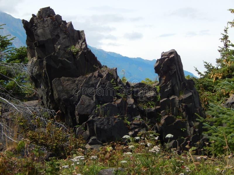 Scherpe rotsen royalty-vrije stock afbeeldingen