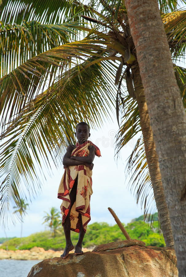Scherzi nel villaggio del pescatore, Ghana, Africa occidentale immagini stock libere da diritti