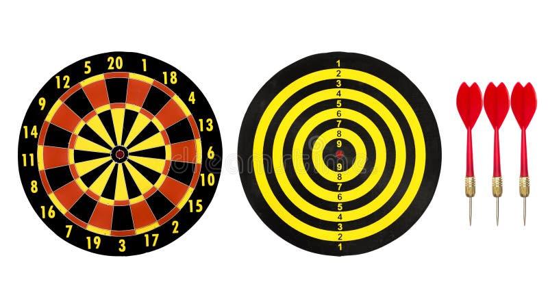 Schießen Sie Zielbrett und roten Pfeilpfeil auf weißem Hintergrund lizenzfreie stockbilder
