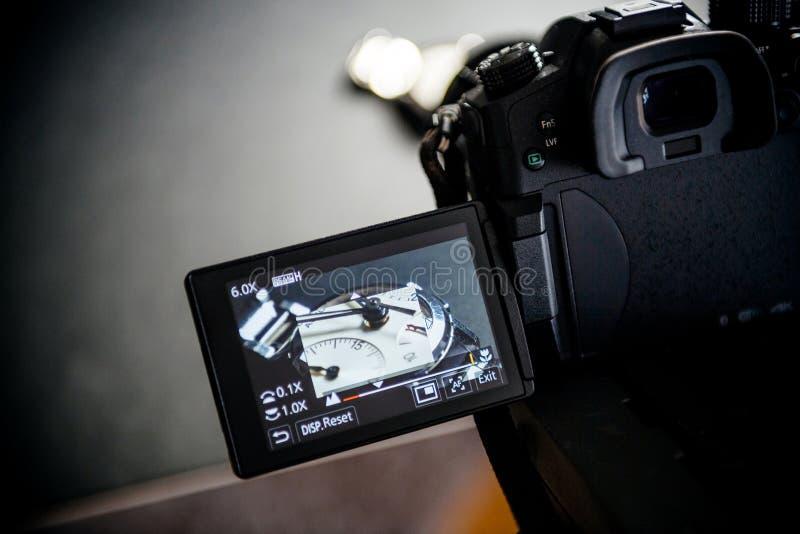 Schießenvideo des Luxusmode Zenitschweizers machte advertisi lizenzfreie stockfotografie