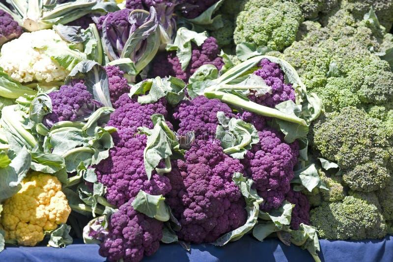 Schiera di brocolli del mercato dei coltivatori fotografie stock