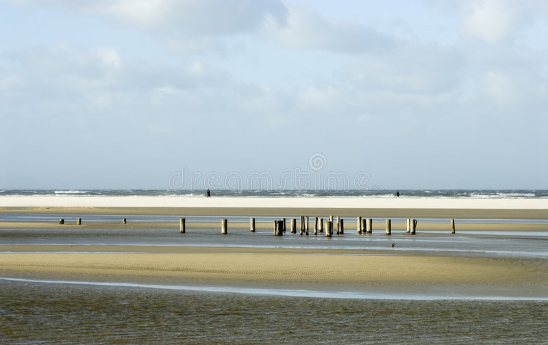 schiermonnikoog пляжа солнечное стоковое изображение rf