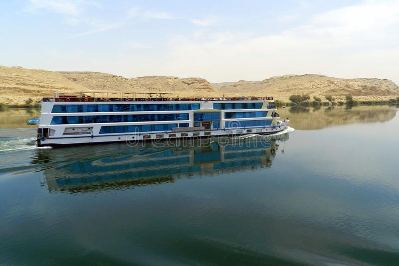 Schiff auf dem Nil, Ägypten lizenzfreie stockfotografie